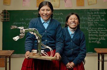 Esmeralda Quispe y Erika Mamani
